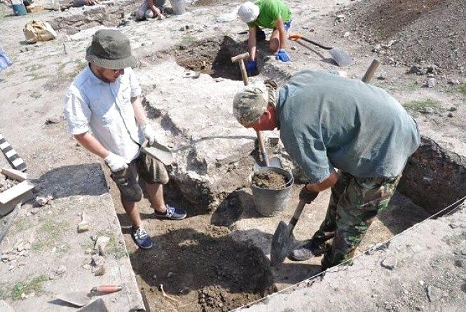 Археологи припускають, що розкопали у Кам'янці склеп магната Потоцького