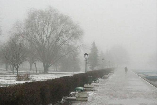 Дрібний дощ та сніг: про погоду на 7 березня
