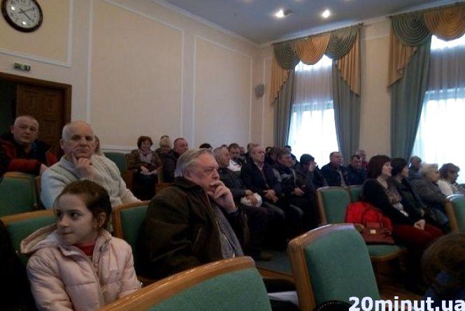 У Кам'янці провели громадські слухання щодо вартості проїзду в маршрутках. Зійшлися на 5 гривнях