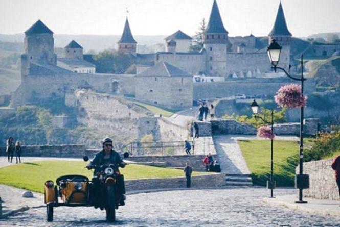У Кам'янці будуть проводити екстрим-тури на мотоциклах