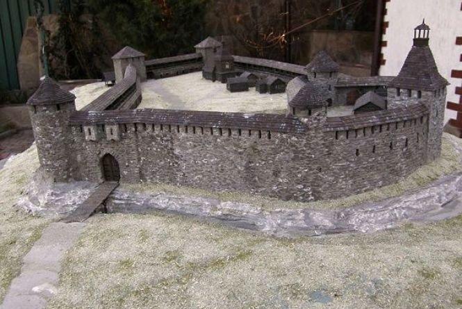 У Кам'янець-Подільській фортеці готують нову виставку до туристичного сезону