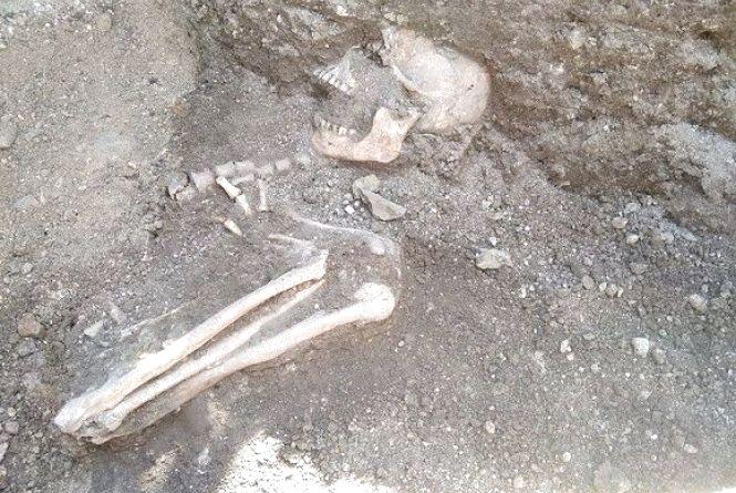 У кам'янецькій фортеці археологи натрапили на давньоруське поховання 12-13 століття  (ФОТО)
