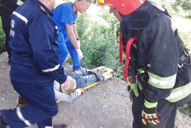 Жінка, яка намгалася скоїти самогубство у Кам'янці, померла у лікарні (ОНОВЛЕНО)