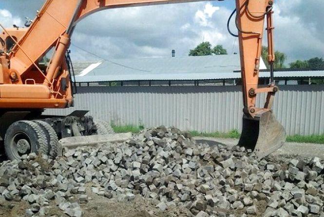 У Кам'янці ремонт дороги за 12,5 мільйонів планують завершити за три місяці