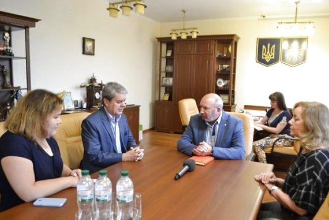 Посол із Аргентини запропонував Кам'янцю співпрацю у економіці та сільському господарстві