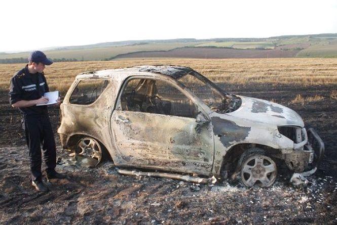 На Кам'янеччині внаслідок пожежі автомобіля вигоріло 1,5 га стерні