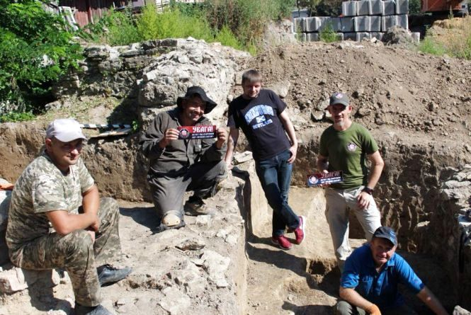 У Кам'янці археологічні розкопки від вандалів охоронятиме одна із політичних сил