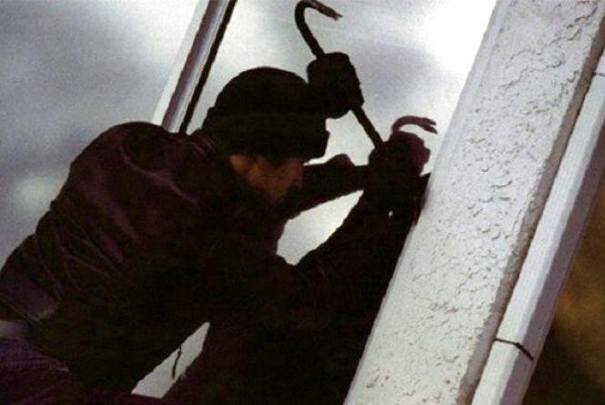 У Кам`янці спіймали чоловіка, який пограбував підвал на 35 000 гривень