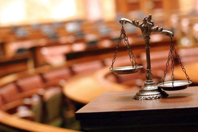 Кам'янчанку судитимуть за обман і підбурення до хабарництва