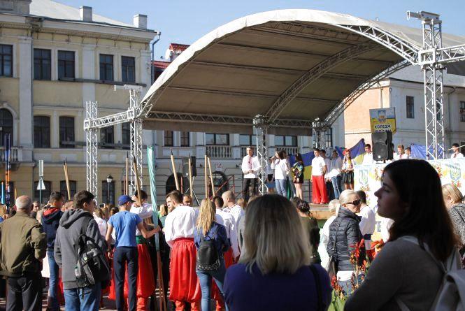 Козацькі забави у Кам'янці-Подільському - хто переміг?