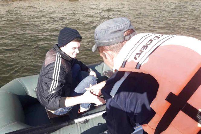 Кам'янецькі рятувальники допомогли рибалці
