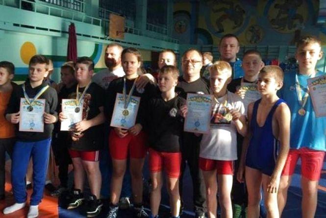 Дев'ять борців успішно представили Кам'янець на чемпіонаті Хмельницького