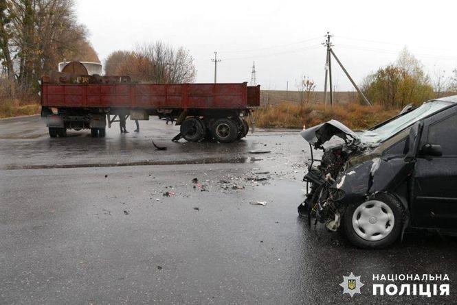 На Хмельниччині сталася дорожня аварія. П'ятеро людей госпіталізували