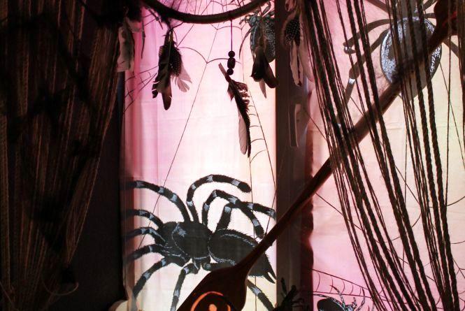 Як кафе Кам'янця прикрасили до Хелловіну (ФОТО)