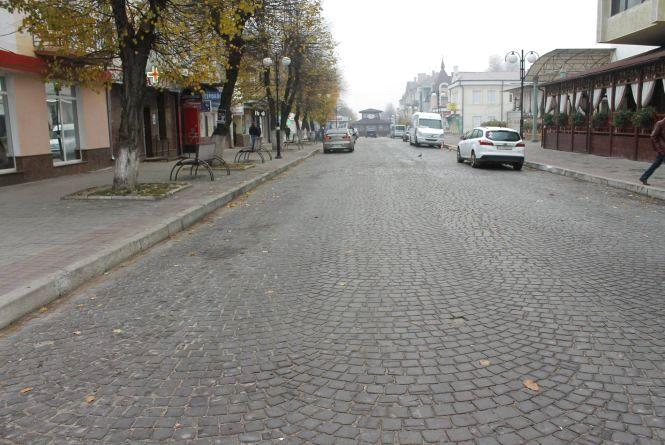 На центральній вулиці Кам'янця проводитимуть ремонтні роботи