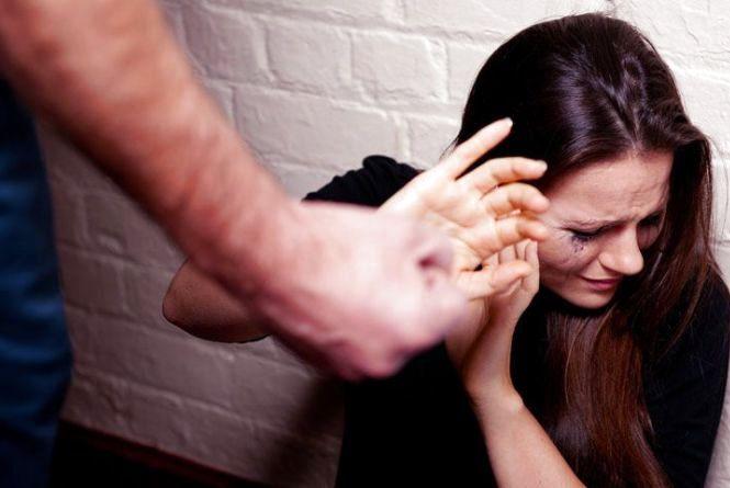 Куди можуть звернутися жертви домашнього насильства?