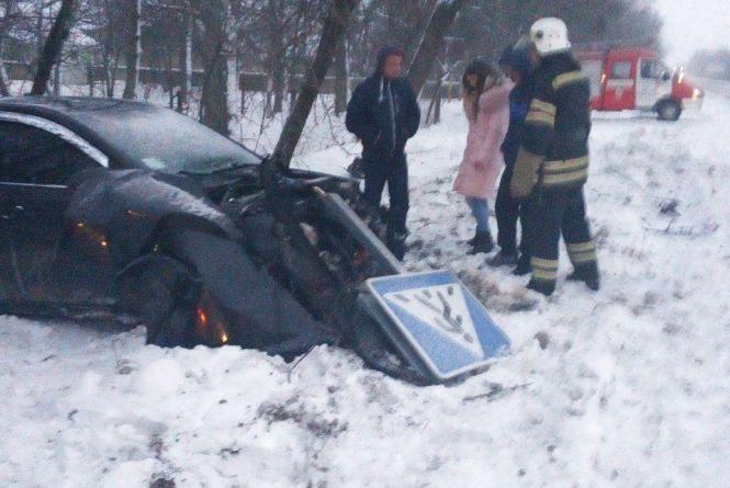 Пожежники попередили загоряння авто, що пошкодилося у ДТП
