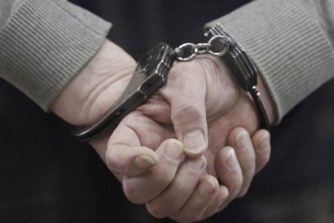 За напад на чоловіка двоє кам'янчан сіли до в'язниці