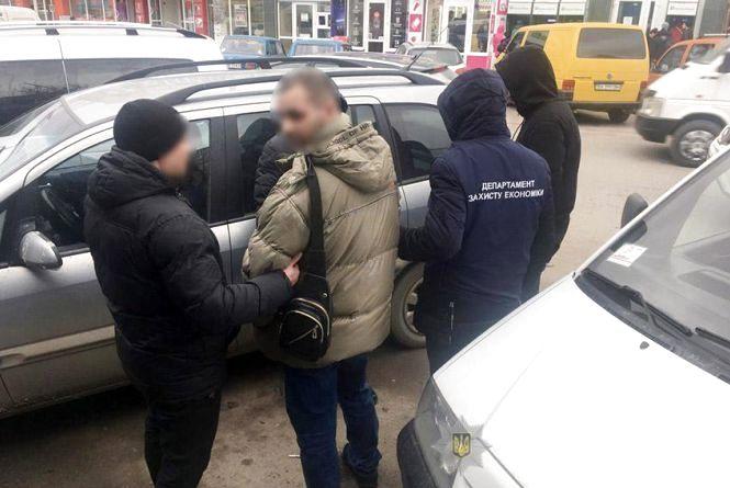 Поліція Кам'янця затримала депутата-хабарника