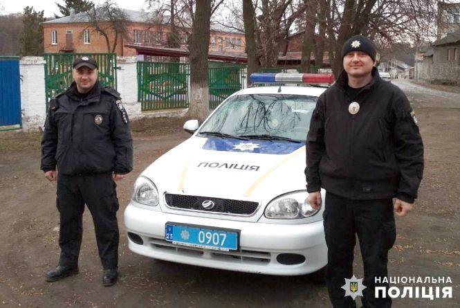 Поліцейські Кам'янця врятували чоловіка від самогубства
