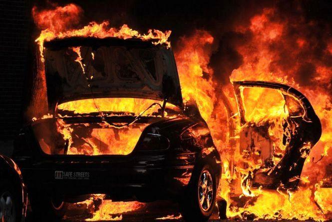Нічний підпал авто у Кам'янці-Подільському