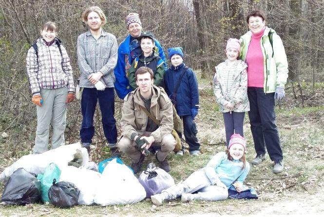 Вихідні з користю – боротьба кам'янчан за чистоту у лісі