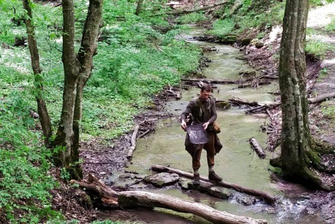 Святкове прибирання - волонтери Кам'янця знову в лісі