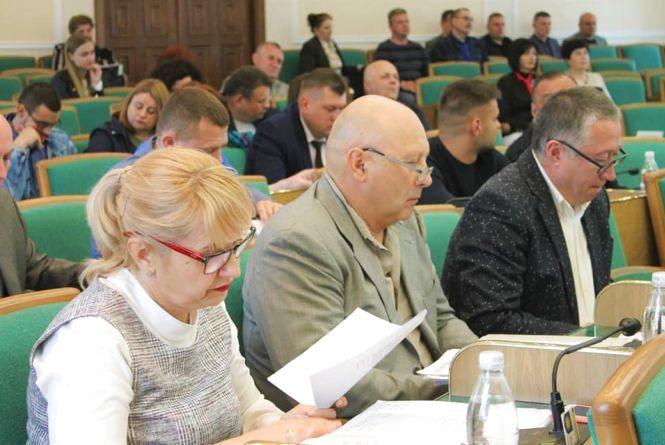 Як поділили депутати 10 мільйонів на сесії міської ради Кам'янця