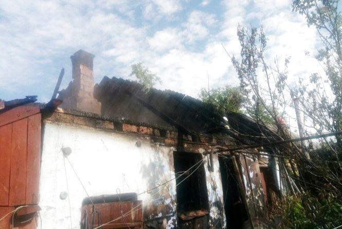 В Оринині пожежа пошкодила господарчу будівлю