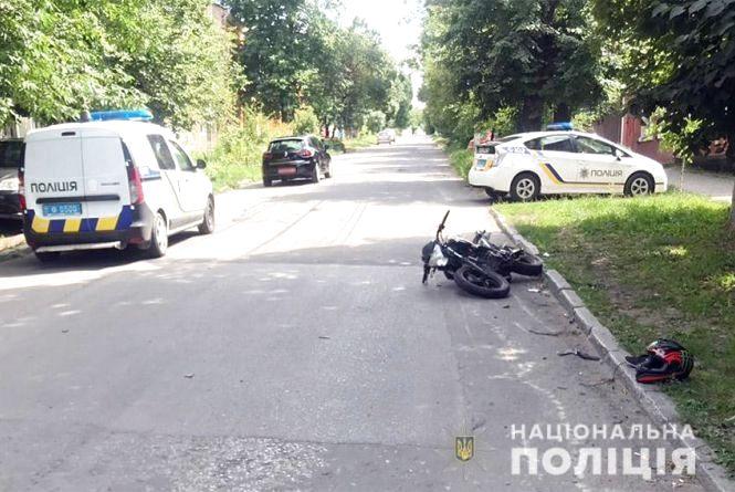 У Кам'янці зіткнулися мінівен та мотоцикліст